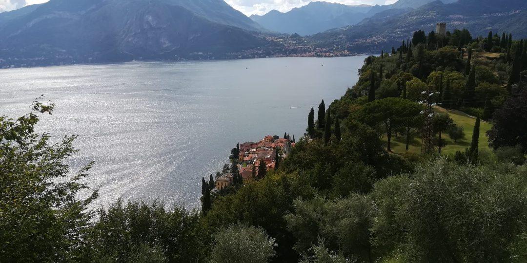 Trekking Smile_escursione di trekking sul lago di Como_Fitness al castello_1